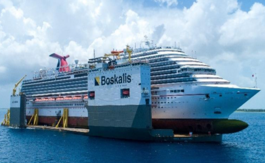 Boskalis: Unique sighting with Carnival cruise ship on top of the BOKA Vanguard in Freeport, Bahamas
